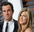 'Friends' star Jennifer Aniston is pregnant with twins